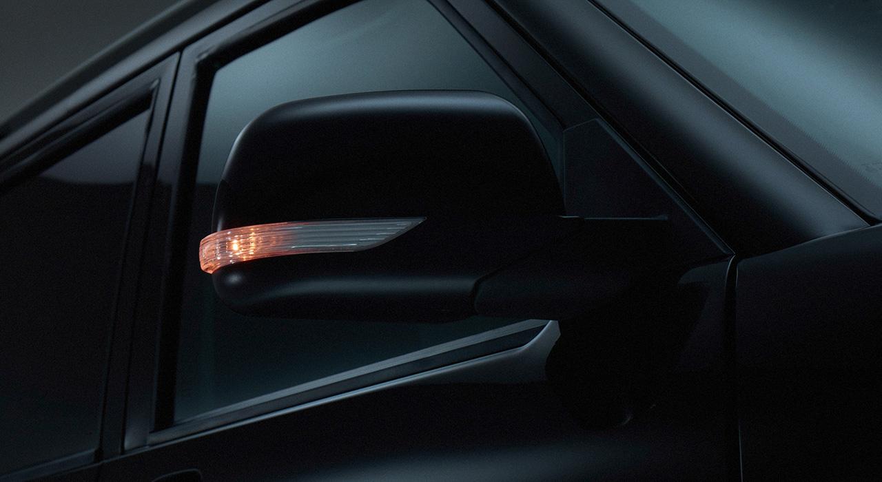 УАЗ Патриот - складывающиеся зеркала в цвет кузова со светодиодными повторителями