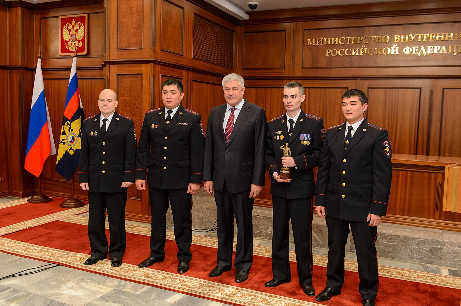 «Народный участковый 2016» выиграл новый УАЗ Патриот