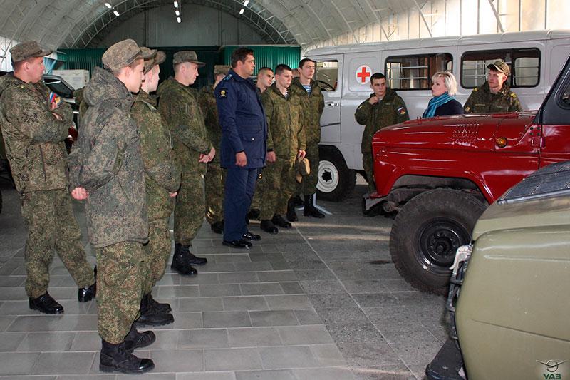 Рязанские курсанты побывали на УАЗе