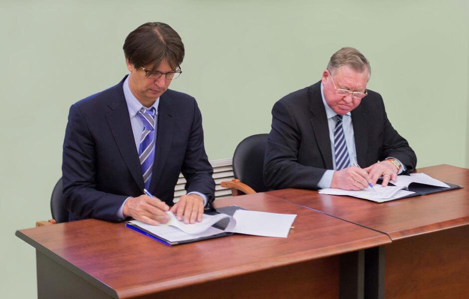 УАЗ и УлГТУ подписали соглашение о создании базовой кафедры