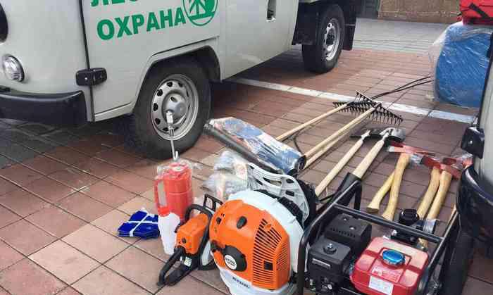 Фоторепортаж: ВБурятии лесхозы получили 15новых машин иоборудование